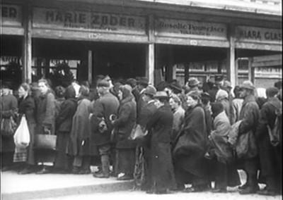 Wien_1920_still_Naschmarkt_Schlange